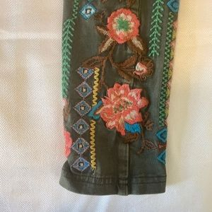 Sundance Embroidered Leggings Size Extra Small